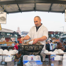 http_cdn.cnn.comcnnnextdamassets140704111652-marrakech-snail-vendor